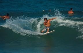 BLOG: O reverso das histórias lineares do surfe: conheça Roberto Pino