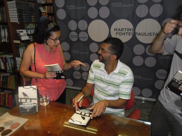 lançamento do livro Corvos e Maltrapilhos (Foto: Marcos Torres/ Arquivo pessoal)