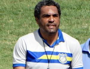 Roberto de Jesus, técnico do Pesqueira (Foto: Vital Florêncio / GloboEsporte.com)