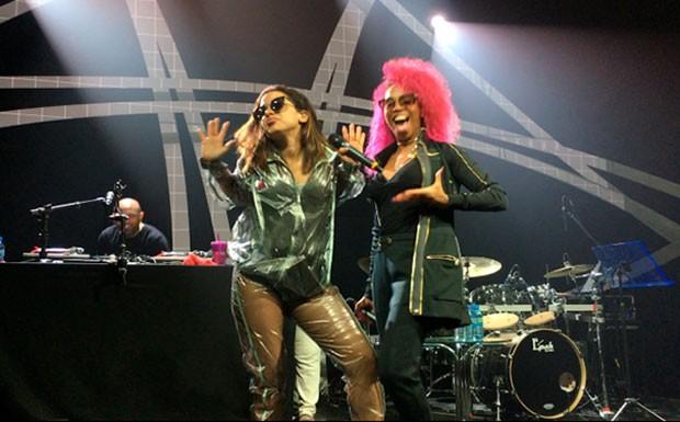 Anitta e Karol (Foto: Multishow)