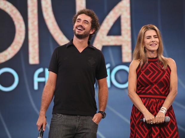 Maitê Proença e Felipe Andreoli no palco do Domingão  (Foto: Isabella Pinheiro / Gshow )