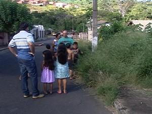 Araxá terrenos sujos (Foto: Reprodução/TV Integração)