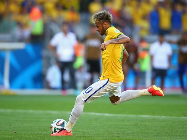 Neymar jogou apenas cinco jogos, mas, mesmo assim, seus quatro gols o colocaram na lista de maiores artilheiros da Copa do Mundo (Foto: Paul Gilham/Getty Images)