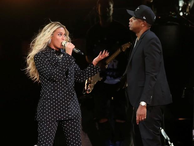 Beyoncé e Jay-Z se apresentam em Cleveland, nos Estados Unidos (Foto: Aaron Josefczyk/ Reuters)