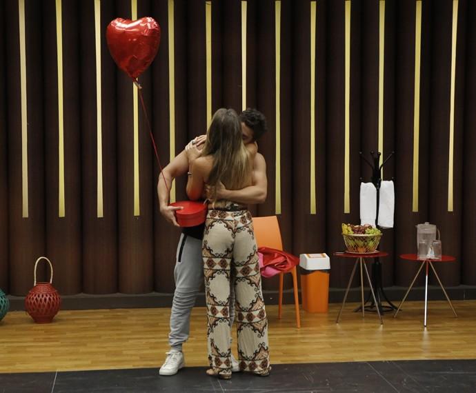 Arthur Aguiar e Camila Marynk: muito chamego! (Foto: Fábio Rocha / Gshow)