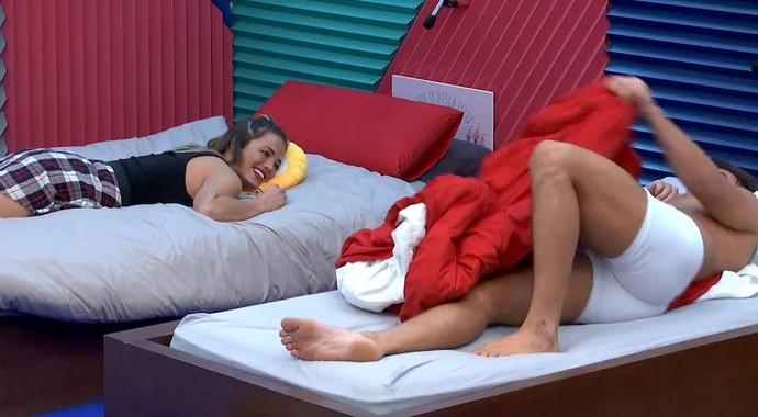 Antônio conversa com Alyson no Gran Hermano (Foto: TeleCinco)