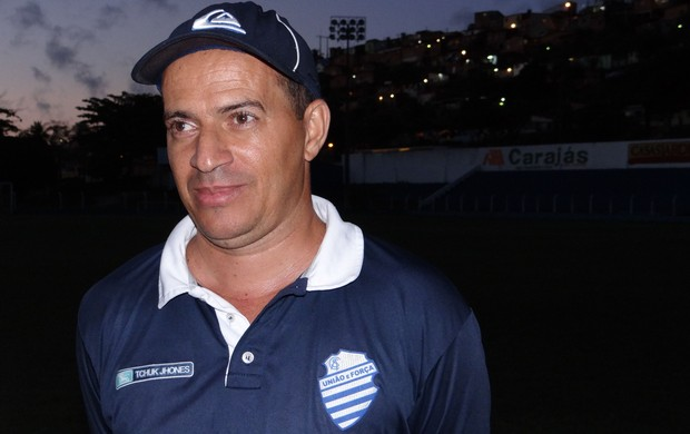 Lino, técnico do CSA (Foto: Paulo Victor Malta/GLOBOESPORTE.COM)