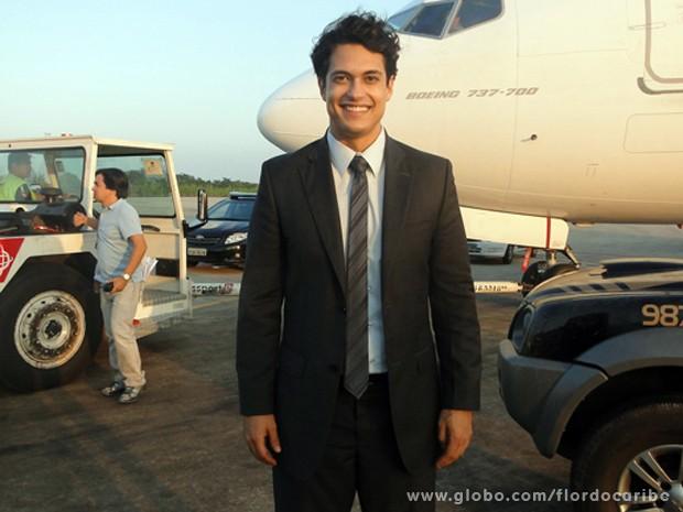 Raphael Viana gravou cenas do ambicioso Hélio (Foto: Flor do Caribe/TV Globo)