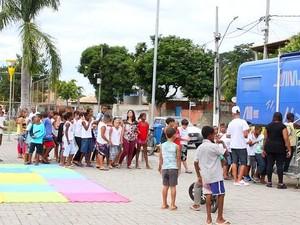 Biblioteca itinerante também promove ações culturais (Foto: Juliana Guzzo/Divulgação Casimiro de Abreu)