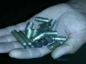 Policias e bandidos trocaram tiros após as explosões (Foto: Divulgação / Polícia Militar)