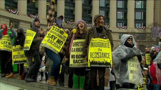 Posse de Donald Trump é marcada por protestos em Washington