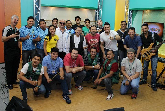 Equipe do Paneiro comemora resultado das gravações (Foto: Onofre Martins/ Rede Amazônica)