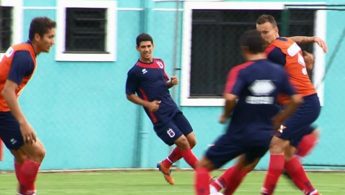 Lineker meia Paraná Clube (Foto: Reprodução/RPC)