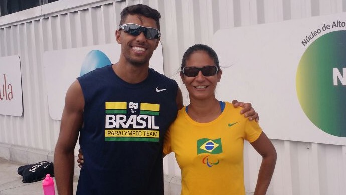 A velocista Jerusa Geber e o guia Guilherme Santana - Paralimpíada (Foto: Divulgação)