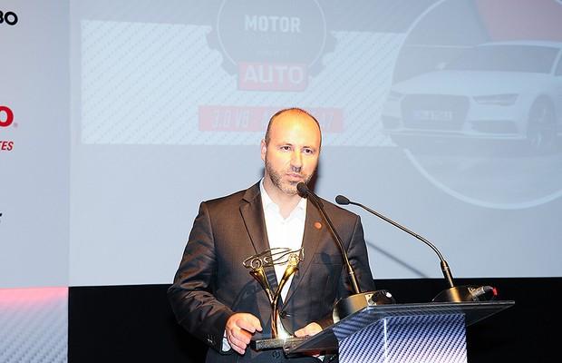 Herlander Zola, diretor comercial da Audi, recebe o prêmio (Foto: Fotógrafo: Rafael Jota)