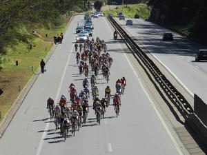 Ciclistas já passaram por Itaipava, em Petrópolis (Foto: Alan Pacheco)