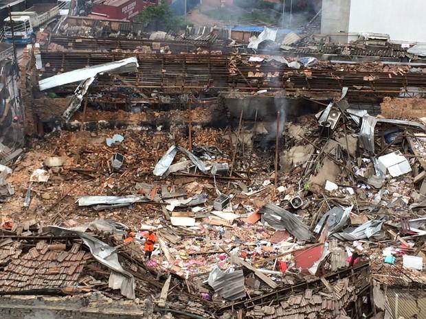 Veja o local da explosão em São Cristóvão (Foto: Henrique Coelho/G1)