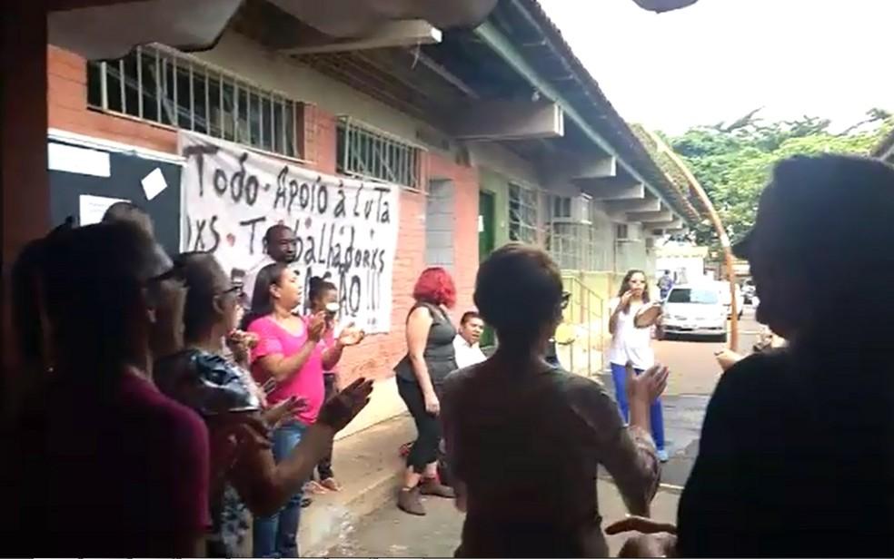 Professores da rede municipal de Goiânia estão em greve há 35 dias (Foto: Reprodução/ TV Anhanguera)