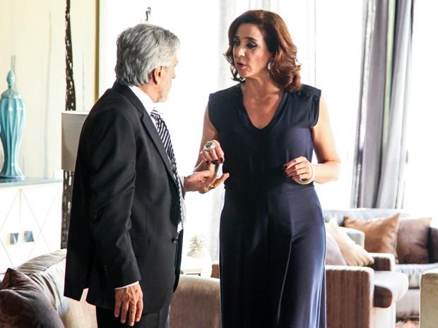 Intérprete de Silvia, Marisa Orth contracena com Aderbal (Foto: TV Globo/ Camila Camacho)