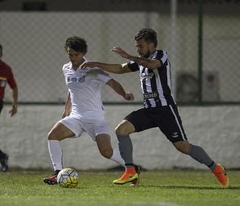 Botafogo x Santos Victor Luis Victor Ferraz (Foto: Armando Paiva/Agif/Estadão Conteúdo)