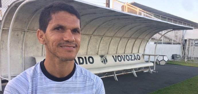 Magno Alves diz que atua aos 41 anos por puro amor (Foto: Reprodução SporTV)