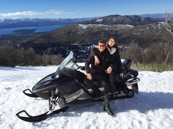 Camila Queiroz e Klebber Toledo juntos em Bariloche (Foto: Instagram)