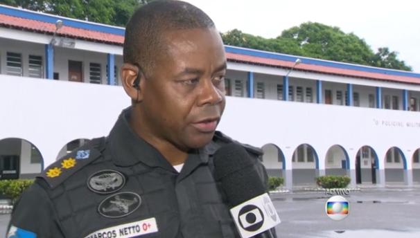 Tenente coronel Marcos Netto foi exonerado do cargo após morte de cinco amigos em Costa Barros (Foto: Reprodução/ TV Globo)