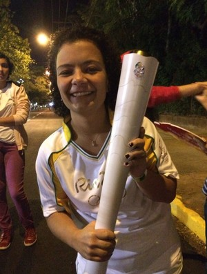 Janaina Favaretto condutora da tocha olímpica em Prudente (Foto: Murilo Rincon / GloboEsporte.com)