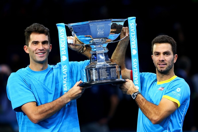 Jean-Julien Rojer e Horia Tecau conquistam o título do ATP Finals (Foto: Getty Images)