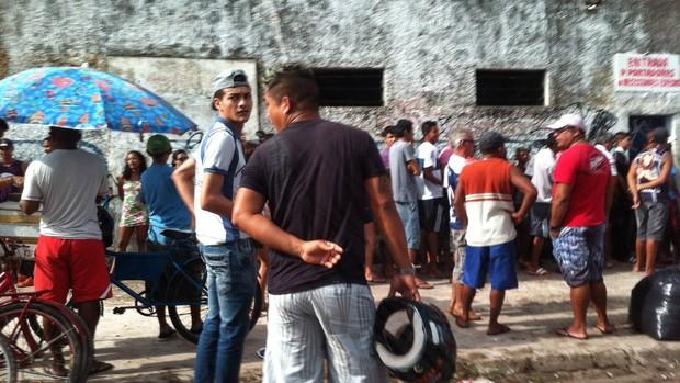 Procura por ingressos está sendo grande nas bilheterias do Baenão (Foto: Jorge Sauma/Globoesporte.com)