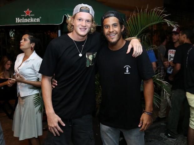 Pedro e Diogo, filhos de Marcello Novaes, em show na Zona Sul do Rio (Foto: Roberto Filho/ Brazil News)