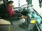 Motorista é flagrado comendo burrito ao causar acidente nos EUA