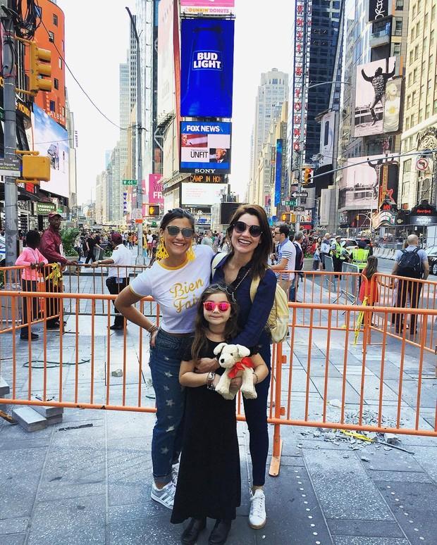 Flávia Alessandra e as filhas (Foto: Reprodução/Instagram)