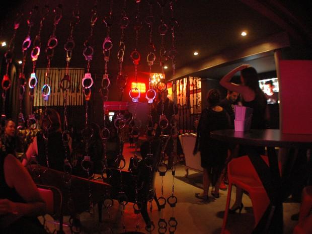 Valentina Bar 18+ investe em temática que abusa da sensualidade e do erotismo (Foto: Daniel Bittencourt/G1 RS)