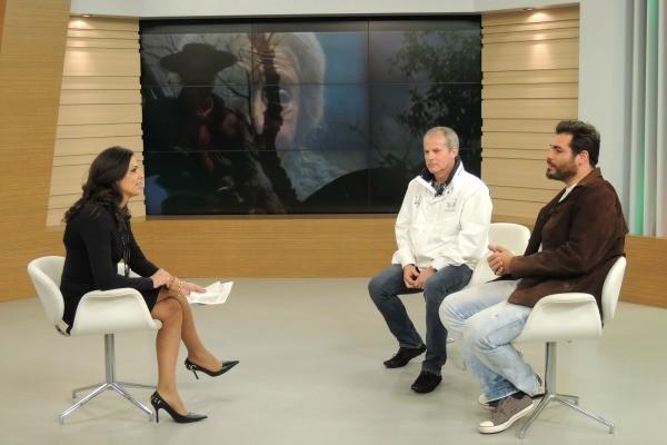 Thiago Lacerda e Jayme Monjardim no Jornal do Almoço (Foto: Divulgação/RBS TV)