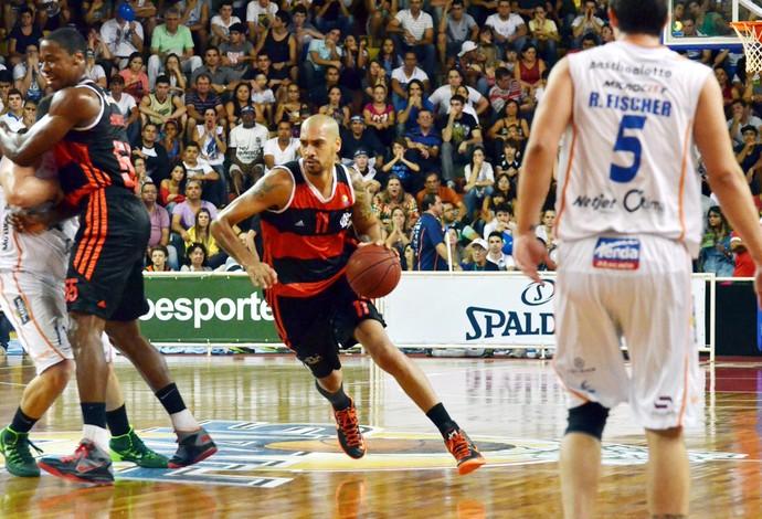marquinhos flamengo x bauru basquete (Foto: Alexandre Vidal/Fla Imagem)