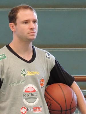 Kadu Mello, preparador físico, basquete, Presidente Venceslau, Venceslau (Foto: Murilo Rincon / GloboEsporte.com)