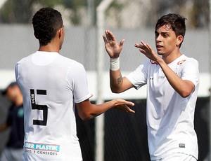 Pedro Henrique e Fernando, santos sub-17 (Foto: Pedro Ernesto Guerra / Santos FC)