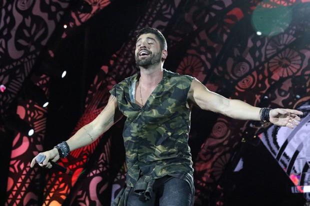 O cantor sertanejo João Gabriel no palco do Festeja Brasil (Foto: Daniel Janssens)