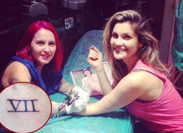 Flávia Alessandra tem o sete tatuado em algarismos romanos (Foto: Reprodução/Instagram)