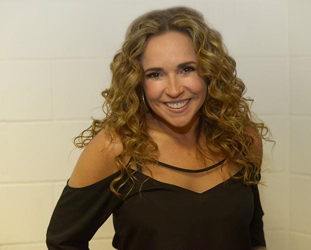 Sempre sorridente, Daniela Mercury posa para o Gshow (Foto: Camila Serejo / Gshow)