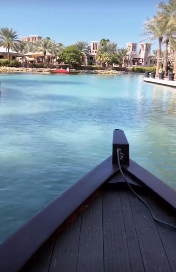 Passeio de barco em Dubai (Foto: Reprodução/Instagram)