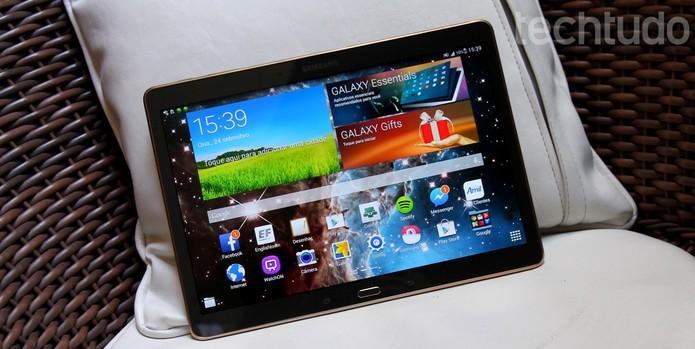 Tablets são práticos para os avós que gostam de redes sociais ou ler notícias (Foto: Barbara Mannara/TechTudo)