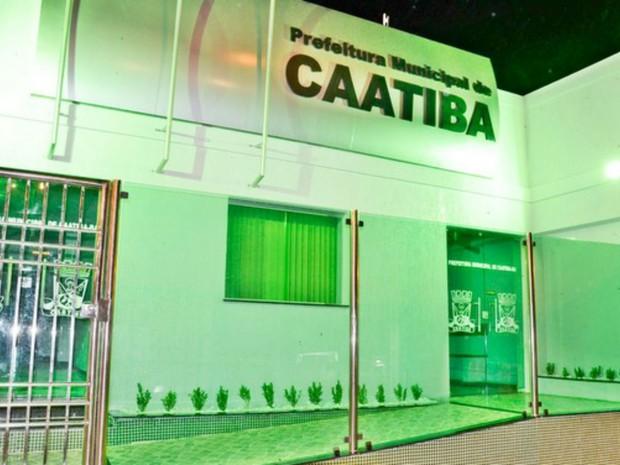 Prefeitura de Caatiba, na Bahia (Foto: Blog do Anderson)