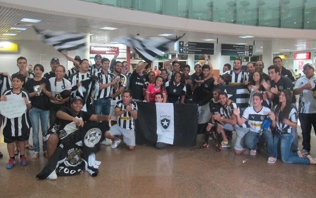 Desembarque Botafogo Maceió (Foto: Fred Huber)