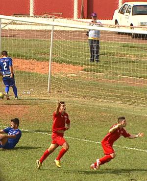Robson, atacante da Inter de Bebedouro (Foto: Reprodução EPTV)