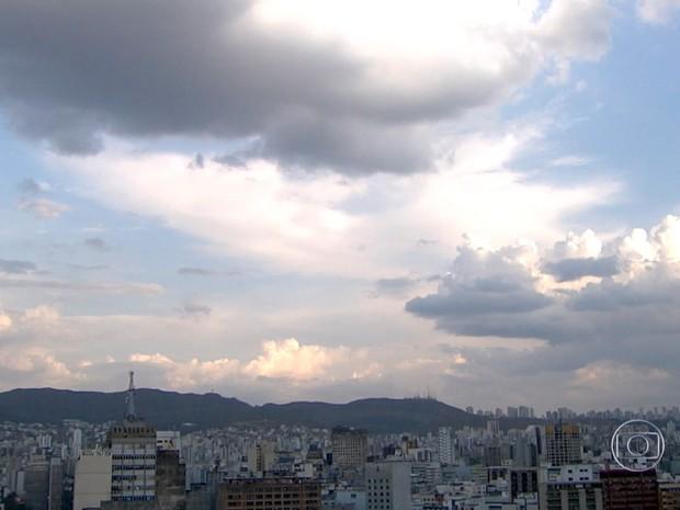 Belo Horizonte registrou o dia mais quente do inverno nesta quinta (27) (Foto: Reprodução/TV Globo)