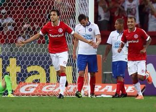 Nilmar gol Internacional (Foto: Roberto Vinicius / Ag. Estado)