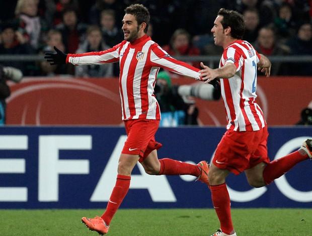 Adrian e Diego Godin gol Atlético de Madri (Foto: AP)