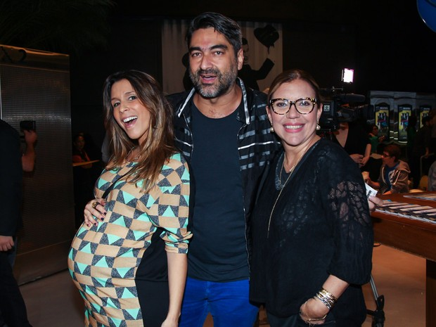 Sarah Oliveira, Zeca Camargo e Astrid Fontenelle em pré-estreia de filme em São Paulo (Foto: Manuela Scarpa/ Brazil News)